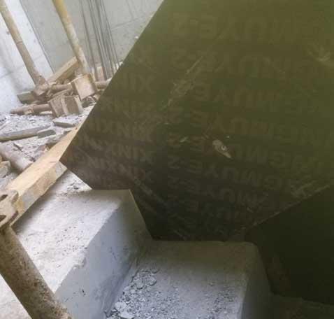 建筑工地木工做楼梯图片、木工楼梯踏步做法图片