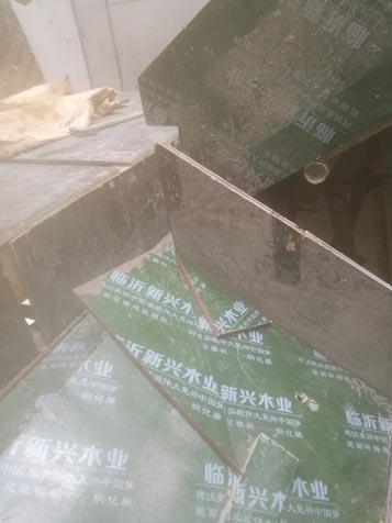 建筑工地木工楼梯的做法、木工楼梯踏步做法图片